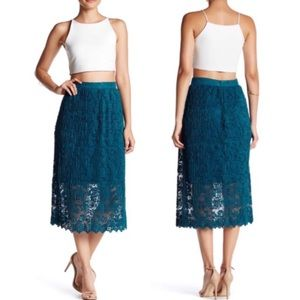 Romeo & Juliet Couture Pleated Midi Lace Skirt NWT